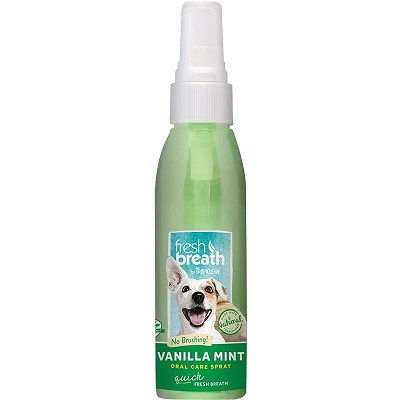 TropiClean Fresh Breath Vanilla Mint Oral Care Spray for Dogs, 4-oz